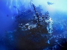 wrecked Russian Moma class surveillance vessel occupies a spot at the bottom of the Red Sea that has become a de facto ship graveyard . Located at a depth of 25 meters in waters between Egypt and Sadan Abandoned Ships, Abandoned Places, Abandoned Cars, Underwater Shipwreck, Bateau Pirate, Ghost Ship, Frozen In Time, Red Sea, Water Crafts