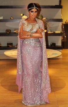 Thássia Naves #PatriciaBonaldi Baile a fantasia Vogue 2013: Confira as fantasias e looks das convidadas ;)
