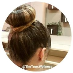 Friday is BUNDAY!  Tag someone with style!  Visite-nos, esperamos por si… GO follow Instagram ▶ @thetree.wellness  #TheTreeWellness #TheTree2017 #Guimaraes #Guimarães #hairdresser #haircare #healthyhair #hairstylist #hairstyle #longhair #winterstyle...