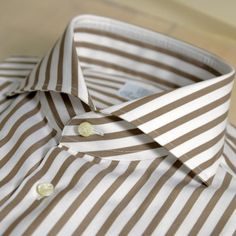 Sartorial Passions from LA to Napoli Shirt Collar Styles, Men Dress, Shirt Dress, Cutaway Collar, The Office Shirts, Slim Fit Dresses, Well Dressed Men, Mens Suits, Cool Shirts