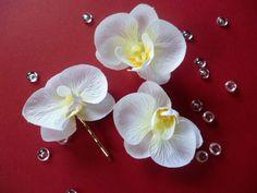 Haarschmuck zur Hochzeit-Orchidee von Kränzchen und Co. auf DaWanda.com