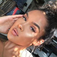 everyday makeup looks, natural makeup looks, no makeup makeup, affordable makeup. everyday makeup looks, natural. Looks Instagram, Instagram Baddie, Instagram Makeup, Instagram Ideas, Glossy Makeup, Glossy Lips, Make Up Looks, Contour Makeup, Skin Makeup