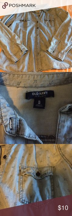 Old Navy Anchor Print Denim Button-Down - XL This is in excellent condition from a smoke and pet free home. Old Navy Tops Button Down Shirts