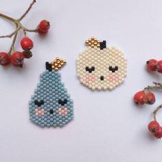 📌 apple and pear brick stitch bead brooch ideas Seed Bead Patterns, Peyote Patterns, Beading Patterns, Miyuki Beads, Seed Bead Crafts, Peyote Beading, Beaded Animals, Beaded Brooch, Brick Stitch