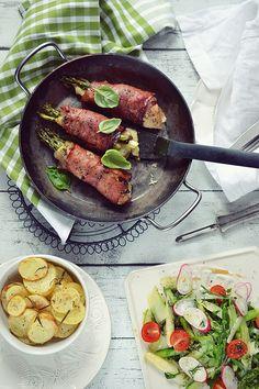 Smaki Alzacji : Roladki wieprzowe z zielonymi szparagami, mozzarel...