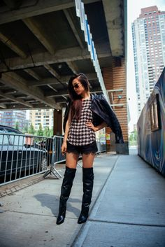 Neon Blush / Before flying //  #Fashion, #FashionBlog, #FashionBlogger, #Ootd, #OutfitOfTheDay, #Style
