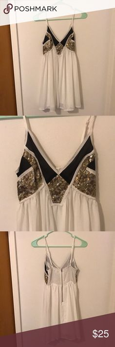 Gold sequin party dress Super light and comfortable while looking so pretty with the gold sequined top, Xenia size 6 (XS) Xenia Boutique Dresses Mini