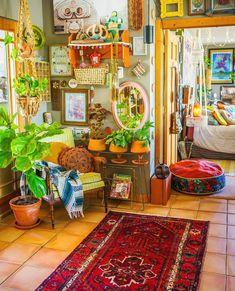 Scholarly bohemian home decor on a budget Click button Room Ideas Bedroom, Bedroom Decor, Estilo Interior, Deco Retro, Aesthetic Room Decor, Cozy Room, Dream Decor, Dream Rooms, My New Room