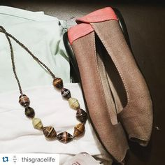 """""""My outfit today includes weapons against gang violence (@therootcollective) and helps moms around the world (@fair_trade_friday)! That necklace provided 5 meals! What's your outfit doing? #changethestory #wearthestory #fairtradefriday #ethicalfashion #purchasewithpurpose #ftfbloggingteam"""""""