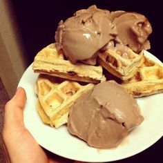 Chocolate Chip Waffles 346 calories; 6g fat, 41 g carbs (14 g fiber), 38 g protein - See more at:
