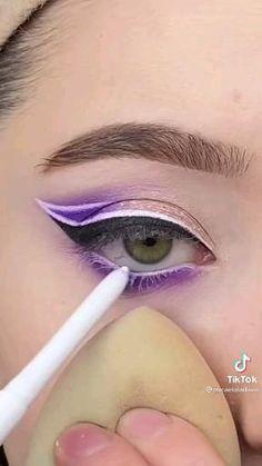 Goth Eye Makeup, Bridal Eye Makeup, Eye Makeup Steps, Makeup Eye Looks, Eye Makeup Art, Natural Eye Makeup, Eyeshadow Makeup, Creative Eye Makeup, Colorful Eye Makeup