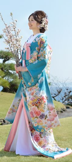 Beautiful blue Spring Kimono with sakura blossoms. A nice bridal kimono, or just a nice one to wear walking around in Japan in the spring. Japanese Outfits, Japanese Fashion, Asian Fashion, India Fashion, Kimono Japan, Japanese Kimono, Japanese Wedding Kimono, Japanese Beauty, Asian Beauty