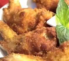 Thai Stuffed Chicken Wings Recipe Video by Ltkman Top Recipes, World Recipes, Asian Recipes, Cooking Recipes, Kitchen Recipes, Recipies, Yummy Appetizers, Appetizer Recipes, Savarin
