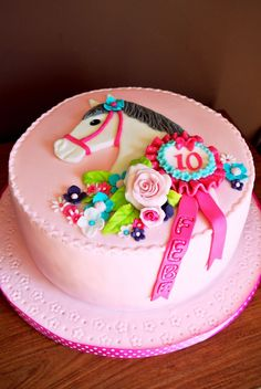 11 year old horse cake Horse Birthday Parties, Themed Birthday Cakes, Birthday Cake Girls, Themed Cakes, Horse Birthday Cakes, 9th Birthday, Birthday Ideas, Cupcakes, Cupcake Cakes