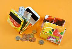 So bastelt ihr Geldbörsen - gratis! Wir werkeln mit Müll - und zeigen euch, wie ihr leere Getränkekartons mit ein paar schicken Knicken in Geldbörsen verwandelt.  #geolino #kinder #basteln #upcycling #tetrapack #portemonnaie #Portmonee