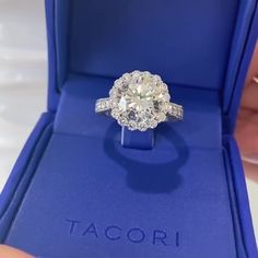 A HUGE trend for engagement ring trends in 2💙2💙 is no real surprise: the bigger the better! Leave a comment below if you're a fan of this RoyalT bloom, exclusively offered for center diamonds 2 carats and larger.   Featured style: HT2605RD9.5  #Tacori #TacoriBloom #engagementring #diamonds #diamondring #bluebox