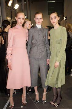 Rochas Fall 2017 Ready-to-Wear Beauty Photos - Vogue