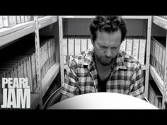 "Eddie Vedder Vignette - ""Mind Your Manners"" - Lightning Bolt -  Pearl Jam"