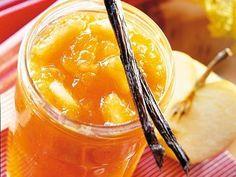 Unsere Rhabarber-Apfel-Konfitüre wird Eure Geschmacksnerven mit ihrem Aroma ganz besonders kitzeln.