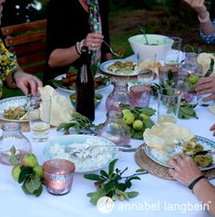 Official website of celebrity cook Annabel Langbein. Delicious, quick and easy recipes from her TV series The Free Range Cook. Cooking Tv, Table Setting Inspiration, Free Range, Outdoor Entertaining, Quick Easy Meals, Kiwi, Beautiful Gardens, Wines, Celebration
