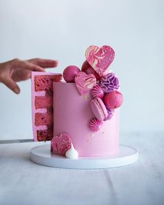 with ・・・ Cake Dreams!Love this cake! Pink Lemonade Cake, Pink Lemonade Recipes, Gorgeous Cakes, Pretty Cakes, Amazing Cakes, Mini Cakes, Cupcake Cakes, Valentines Day Cakes, Drip Cakes