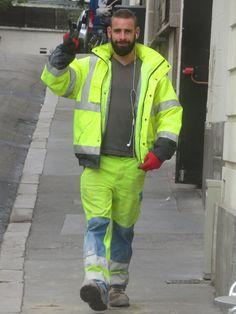 Big Daddy Bear, Hi Vis Workwear, Construction Worker, Men In Uniform, Hairy Chest, Older Men, Beard Styles, Bearded Men, Sexy Men