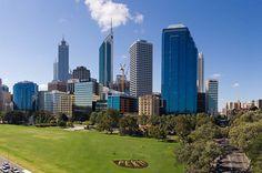 Anjloknya harga komoditi di sektor pertambangan membuat makin banyak gedung perkantoran di kota Perth jadi kosong. Ini seiring dengan juga menurunnya permintaan akan gedung perkantoran di kota tersebut. #gedung #perkantoran #gedungperkantoran #perth #wordpress