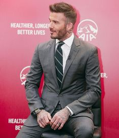 David Beckham Haircut, David Beckham Suit, David Beckham Style, David Beckham Clothing, Gents Fashion, Suit Fashion, Gentleman Style, Mens Clothing Styles, Beard Styles