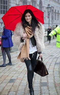 great street style, love the pop of red! - london fashion week
