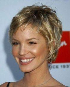 Cortes de pelo rizado corto para mujeres 2014: fotos de los peinados - Pelo corto con ondas natutales