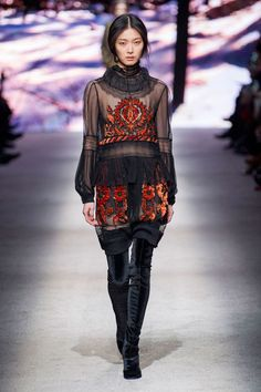 A look from Alberta Ferretti's fall 2015 collection. Photo: Imaxtree