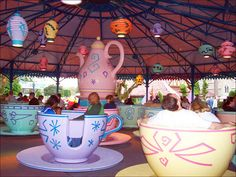I want an Alice in Wonderland room with Chinese laterns all over the place.