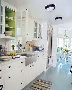 gil+schafer+architect+don+freeman+photographer+lake+house+kitchen+painted+floors.JPG (377×471)