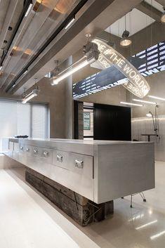 Stand Design, Display Design, Retro Interior Design, Retail Interior, Commercial Design, Ceiling Design, Retail Design, Modern Luxury, Interior Architecture