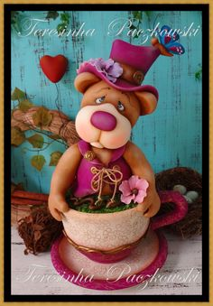 Teresinha Paczkowski: biscuit country Polymer Clay Recipe, Polymer Clay Figures, Fimo Clay, Clay Projects, Clay Crafts, Country Biscuits, Clay Bear, Teacup Crafts, Teddy Bear Cakes