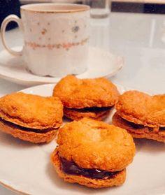 Πτι-φουρ - Dukan's Girls Dukan Diet, Cornbread, Hamburger, Ethnic Recipes, Girls, Desserts, Food, Millet Bread, Little Girls