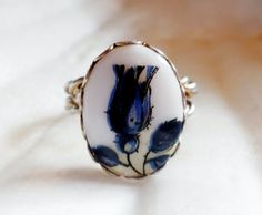 Blue Flower Ring with a Twisted Band  size 6 by lilbooker on Etsy, $7.99