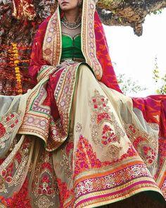 ❤️Simaaya, Kolkata #weddingnet #wedding #india #indian #indianwedding #weddingdresses #mehendi #ceremony #realwedding #lehenga #lehengacholi #choli #lehengawedding #lehengasaree #saree #bridalsaree #weddingsaree #indianweddingoutfits #outfits #backdrops #groom #wear #groomwear #sherwani #groomsmen #bridesmaids #prewedding #photoshoot #photoset #details #sweet #cute #gorgeous #fabulous