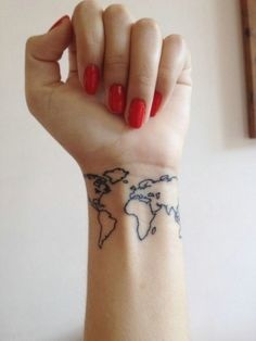 Looking for an amazing travel tattoo design. Here is a list of 80 top travel tattoo designs for you. Cute Tattoos On Wrist, Hand Tattoos, Girl Tattoos, Tatoos, Body Tattoos, Best Tattoos For Women, Tattoo Designs For Women, World Map Tattoos, Tattoo Diy