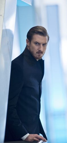 Legends of Tomorrow - 1x10 Arthur Darvill (Rip Hunter)