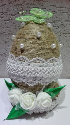 Christmas Crafts For Kids, Easter Crafts, Christmas Bulbs, Diy Easter Decorations, Christmas Decorations, Holiday Decor, Diy Ostern, Welcome Spring, Egg Art