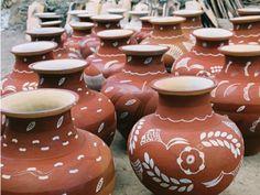 Artesanato indígena do Vale do Jequitinhonha, em Belo Horizonte. #decoracao #artesanato #ceramica #vasos #indigenas #brasil #minasgerais