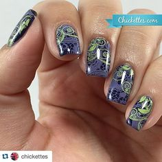 A little lace love  this is by the amazingly talented gel nail queen: @chick
