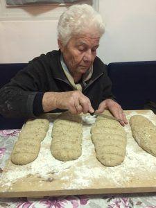 Πάρος: γαστρονομία και παραδοσιακά φαγητά | Argiro.gr - Argiro Barbarigou Crab Dip, Island Food, Paros, Greek Recipes, Burritos, Main Dishes, Bread, Cooking, Sweet