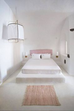 The Travel Files: Sophia Caldery Suites On Santorini Tadelakt, Home Decor Bedroom, Nordic Bedroom, Bedroom Ideas, Bedroom Fun, Peaceful Bedroom, Stylish Bedroom, Bedroom Furniture, Master Bedroom