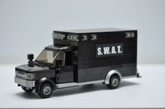 This is a great addition to any Lego city! Lego Police Truck, Swat Police, Lego Truck, Lego City Police, Lego City Fire, Lego Fire, Lego Structures, Lego Trains, Lego Military