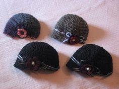 Everyday Handmade: The Bobbi Hat - Free crochet Pattern News Boy Hat Crochet Toddler, Crochet Kids Hats, Crochet Beanie, Crochet Crafts, Yarn Crafts, Crochet Baby, Crochet Projects, Free Crochet, Knitted Hats