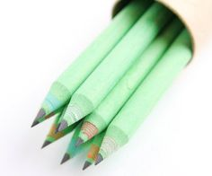 I always write with pencils- what a pretty way to perk up my desk.