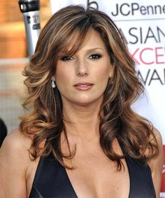 Daisy Fuentes Hairstyle - Formal Long Wavy View yourself with this Daisy Fuentes Long Wavy Formal Hairstyle Hair Styles For Women Over 50, Hair Styles 2014, Medium Hair Styles, Long Hair Styles, Medium Layered Hair, Long Layered Haircuts, Long Wavy Hair, Long Hair Cuts, Daisy Fuentes