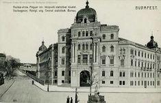 Utca, Budapest, Louvre, Building, Travel, Viajes, Buildings, Destinations, Traveling